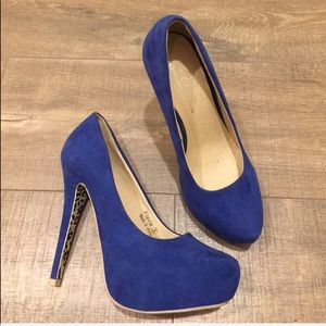 Shoes - Blue suede like heels size 8